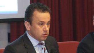 Presiuni incredibile: Ministrul Pop, la sedinta unde se analizeaza plagiatul lui Ponta