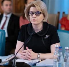 PressOne: Comisarul european de rezerva Gabriela Ciot si fostul negociator-sef cu UE Vasile Puscas au plagiat