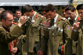 Pretul instrainarii: Biserica si Armata pierd increderea romanilor (Opinii)