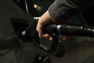 Preturile petrolului au crescut cu 3% dupa acordul OPEC+ de a relaxa treptat restrictiile de productie, incepand din mai