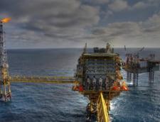 Preturile petrolului au urcat marti cu 4%, in urma informatiilor referitoare la cel de-al treilea vaccin anti-COVID