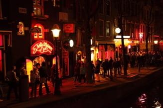 Prima femeie aleasa primar la Amsterdam pregateste o reforma a cartierului cu felinare rosii