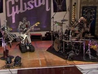 Prima formatie heavy metal ... de roboti (Video)