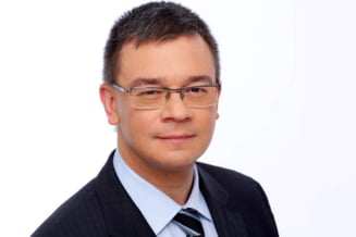 Prima iesire dupa demisie. Mihai Razvan Ungureanu participa la receptia de la Cotroceni