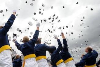 Prima promotie de cadeti homosexuali la Academia Fortelor Aeriene americane