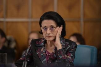 Prima reactie a Ecaterinei Andronescu dupa ce a aflat de demitere
