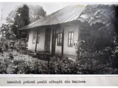 Prima scoala sateasca de stat din Moldova va fi reconstruita pe locatia initiala