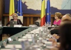 Prima sedinta de guvern dupa 10 august: Rectificarea bugetara lipseste. Cine a semnat pentru convocarea CSAT