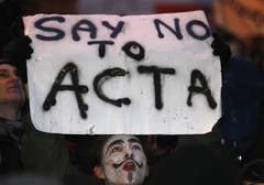 Prima victima a legii antipiraterie ACTA: Raportorul PE a demisionat