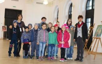 Prima vizita intr-o sala de spectacole pentru 15 copii dintr-o comuna mehedinteana