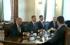 Prima zi de consultari la Cotroceni - Iohannis ar fi de acord cu dizolvarea Parlamentului si alegeri anticipate