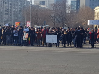 Prima zi de proteste dupa adoptarea Ordonantei Iordache: Iubirea de tara, in strada se masoara!