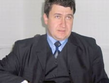 Primar, cercetat penal pentru furt de cratite de inox
