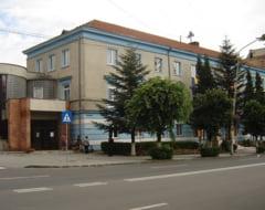 Primaria Petrosani scoate la concurs mai multe posturi