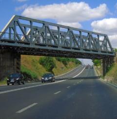 Primaria din Bistrita a facut un credit urias ca sa construiasca un pod ce nu poate fi folosit