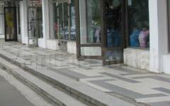 Primaria si Metex repara scarile de la magazinele din spatele Casei de Cultura