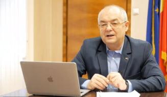 Primarii de municipii cer bani Ministerului Sanatatii pentru organizarea centrelor de vaccinare si plata personalului