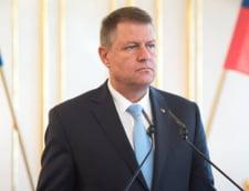 Primarii si consilierii condamnati cu suspendare isi pastreaza mandatul - Iohannis trimite legea la CCR