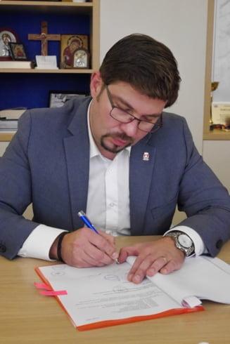 Primarul Bacaului, Cosmin Necula, trece la Pro Romania