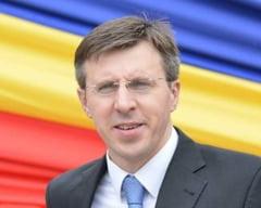 Primarul Chisinaului a fost plasat in arest la domiciliu. Partidul sau renunta la guvernare si acuza implicarea Rusiei