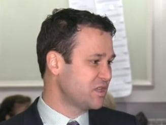Primarul Negoita face glume la iesirea de la Inalta Curte: Nu stiu sa faca echitatie dl Dragnea