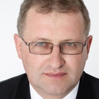 Primarul PSD condamnat pentru pornografie infantila a fost reales