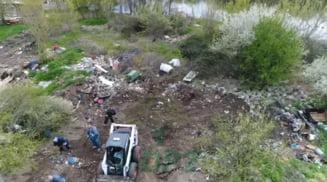 """Primarul Sectorului 2, despre Lacul Fundeni, curatat de 343 de tone de deseuri in 5 zile: """"Situatia acolo e atat de grava incat utilajele nu se pot apropia suficient"""""""