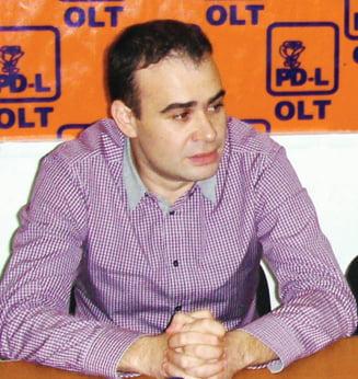 "Primarul Valcov a demisionat din PDL si da ""o palma peste obrazul unui partid mincinos"""