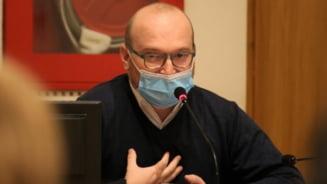 Primarul Viziteu, acuzat de consilierul Chirilescu ca prezinta date eronate pentru a justifica taierea stimulentelor pentru nou-nascuti