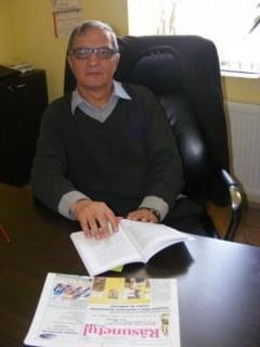 Primarul comunei Zagra, Dumitru Buscoiu: Se lucreaza intens la miniterenul de fotbal