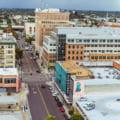 Primarul de 27 de ani al unui oras din SUA le da locuitorilor cate 500 de dolari pe luna, neconditionat