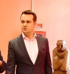 Primarul din Baia Mare le da indicatii din arest subordonatilor: E greu sa puneti niste flori, iarba?!