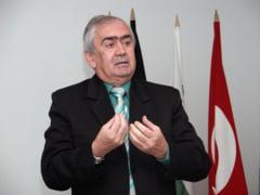 Primarul din Targu Jiu, cadouri de 140.000 de lei pentru colindatori