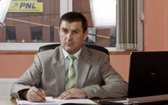Primarul din Tecuci si-a pus nume de neamt ca sa castige alegerile