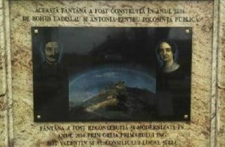 Primarul unei comune si-a scris numele pe o fantana din 1884: Explicatia bizara a edilului