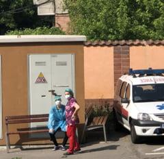 Primele imagini cu pacientii care au primit plamani noi in Romania. Unul dintre ei va fi mutat la Colentina