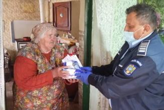 Primele pachete cu echipamente de protectie au ajuns la persoanele defavorizate din Bihor