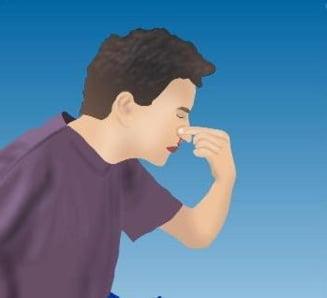 Primul ajutor: ce faci cand iti curge sange din nas?