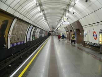 Primul metrou din lume a pornit acum un secol si jumatate - Documentar