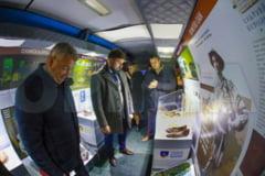 Primul muzeu mobil din tara ajunge astazi la elevii buzoieni din mediul rural