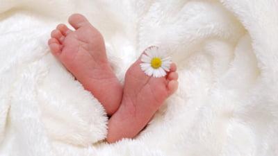 """Primul nou-nascut care a fost gasit in """"cutia pentru bebelusi"""" din Belgia, unde sunt abandonati copiii nedoriti"""