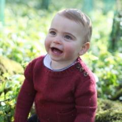 Printul Louis a implinit un an. Kate Middleton i-a facut fotografii cu primii lui dintisori (Foto)