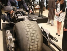 Printul William incearca vehiculul lui Batman