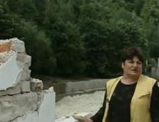 Problema la inundatii made in Romania: Cearta pe nisipul adus de viitura