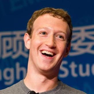 Probleme la Facebook? Zuckerberg este mai bogat ca oricand si mai are putin pana-l depaseste pe Buffett