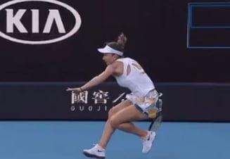 Probleme medicale pentru Simona Halep dupa ce a cazut in primul meci de la Australian Open