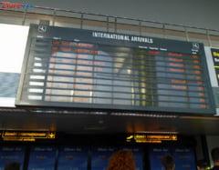 Probleme pe aeroportul Otopeni: cozi la predarea bagajelor si pene de curent