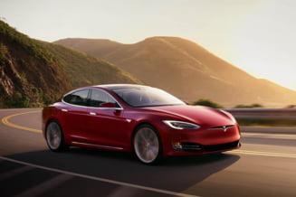 Probleme pentru Tesla, care recheama aproape 135.000 de masini. Defectiunea care ar putea provoca un accident