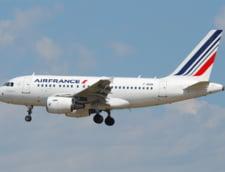Probleme pentru francezi: Turismul si transportul aerian, afectate de valul de atentate