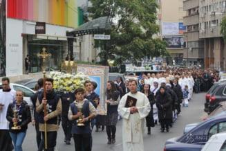 Procesiune cu relicva papei Ioan Paul al II-lea, duminica, in Bucuresti. Restrictii de trafic
